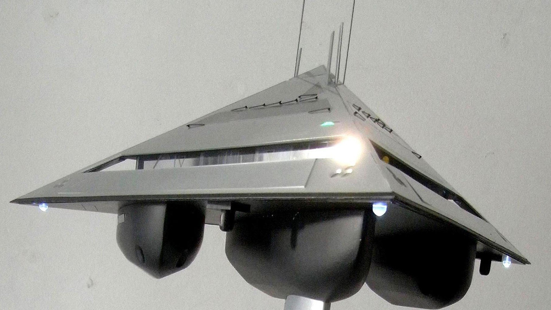 booster-superyacht-of-the-future www.dailydot.com