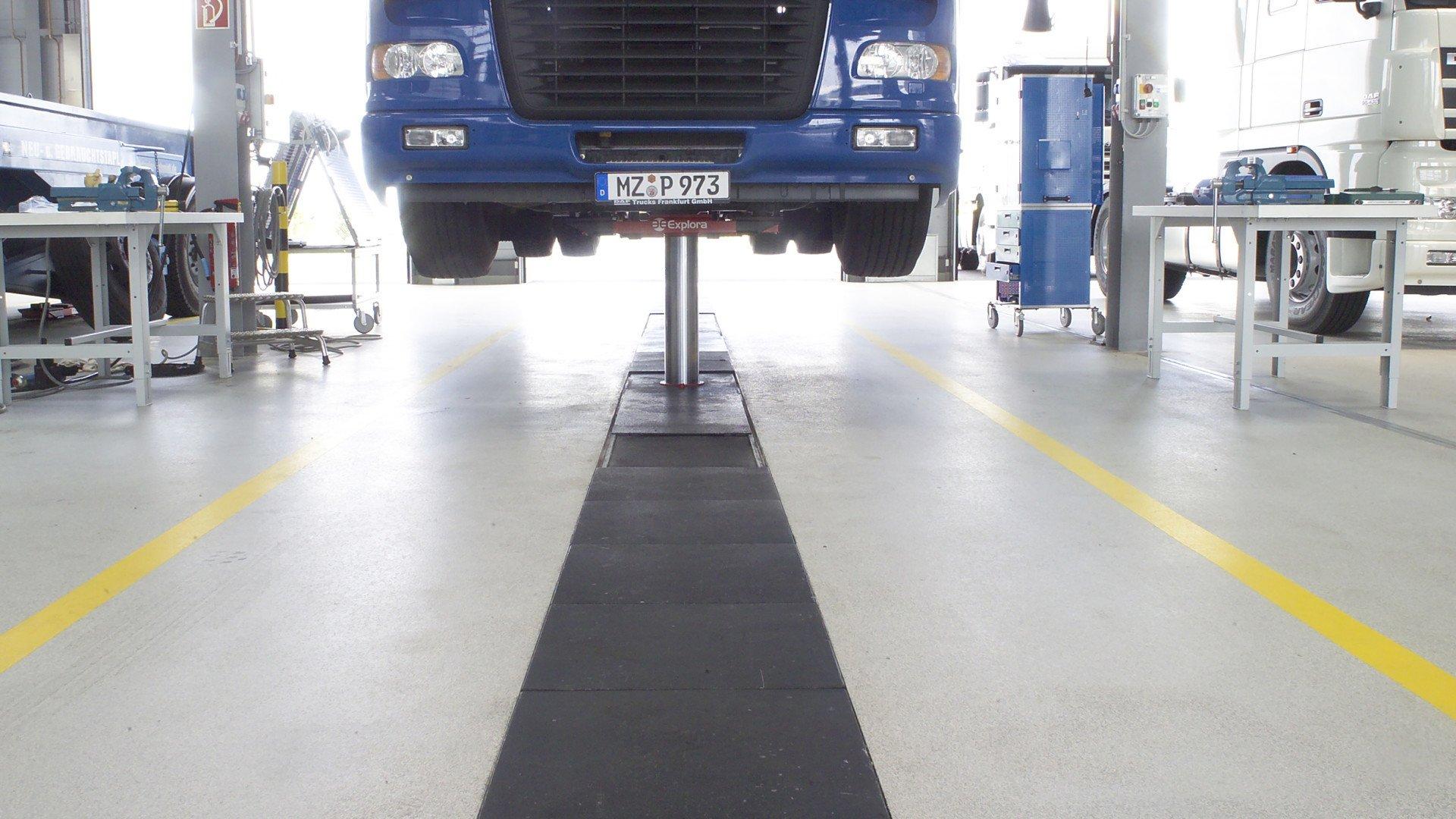 DAF Trucks Frankfurt Bolidtop 700