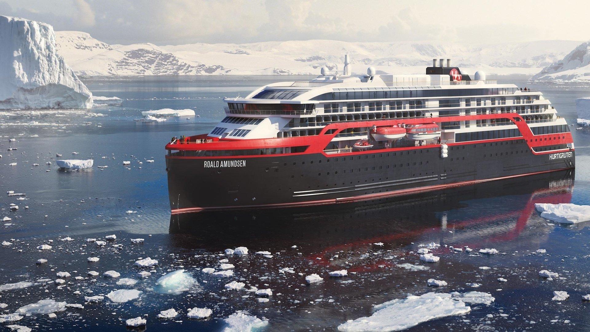 Roald Amundsen - Ulsteinvik Future Teak