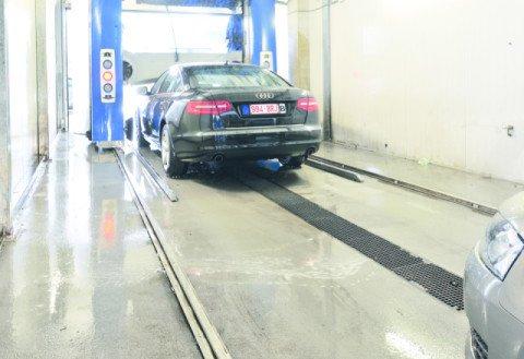 Audi Lexus Volkswagen garage Eindhoven Bolidtop 700RF