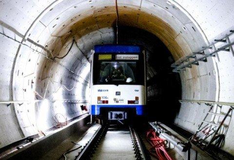 Noord-Zuidlijn Amsterdam Bolidtop 200 RF