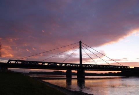 Rheinbrücke Maxau Karlsruhe Boligrip W