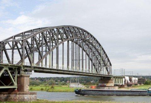 Rijnbrug Oosterbeek Bolirail PU