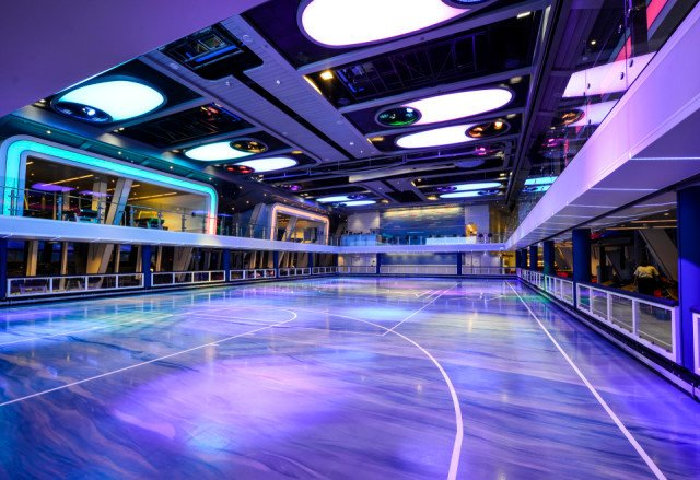 Anthem of the Seas Meyer Werft Bolidtop FiftyFifty