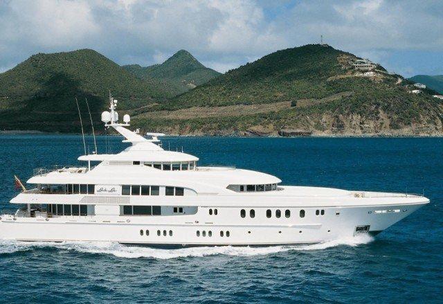 booster-my-podium-yachtcharterfleet-com