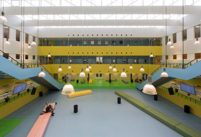 Dr. Moller College Waalwijk Bolidtop 525