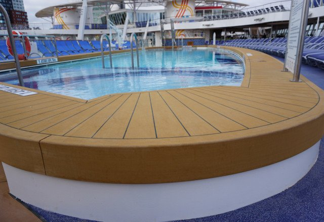 Harmony of the Seas Bolideck Future Teak