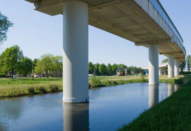 Metroviaduct Beneluxlijn Rotterdam Plycoat H