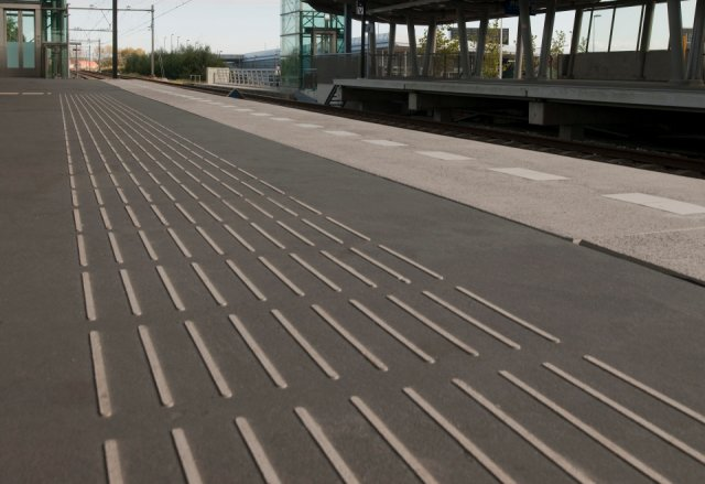 Perronafwerking station Weidevenne Purmerend  Boligrip 1250