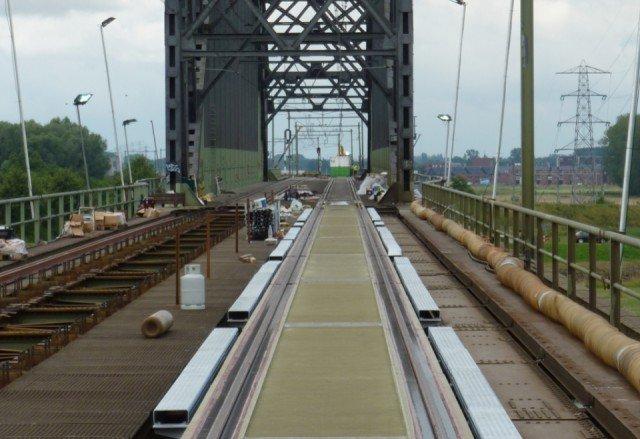 Spoorbrug Oosterbeek Bolirail PU